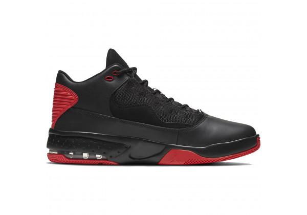Кроссовки Nike Air Jordan Max Aura 2 черные с красным