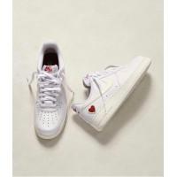 Nike Air Force 1 с сердечком белые
