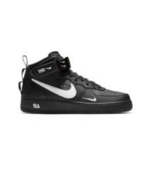 Кроссовки зимние Nike Air Force 1 Mid 07 LV8 Utility с мехом черные с белым