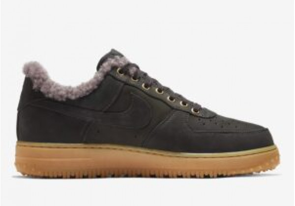 Кроссовки зимние Nike Air Force с мехом черные