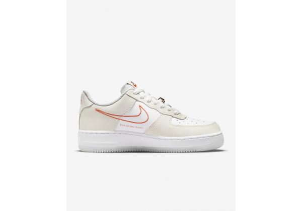 Nike кроссовки Air Force 1 07 SE бежевые с оранжевым